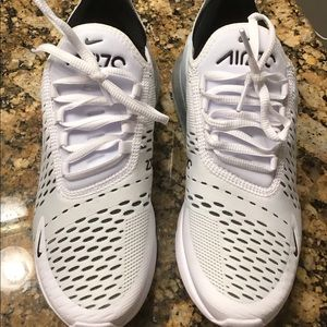 Women's Nike air max 270 sz 8, euc